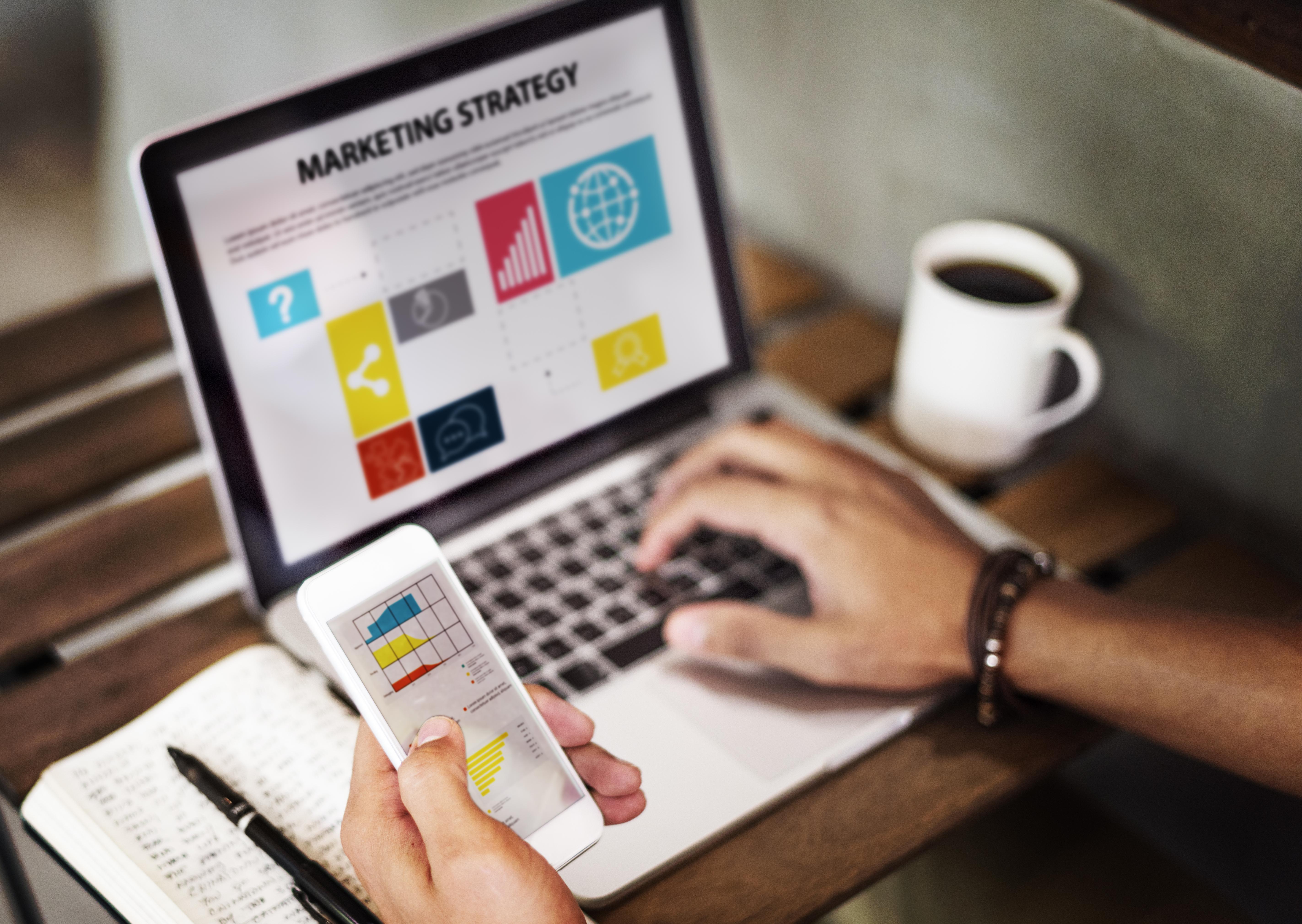 5 Tips para mantenerte conectado con tu equipo de trabajo vía remota