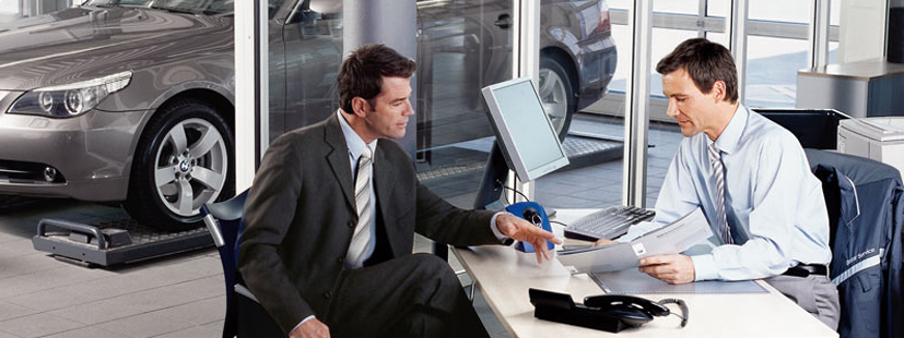 Mejores prácticas de reseñas en línea para agencias de autos